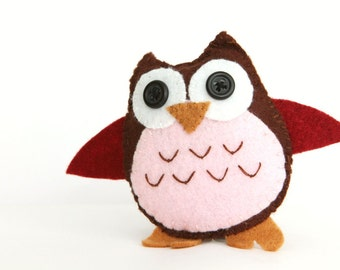 Felt Plushie Hand sewing Pattern PDF. Complete instructions to make Tawny the Owl. Instant download.