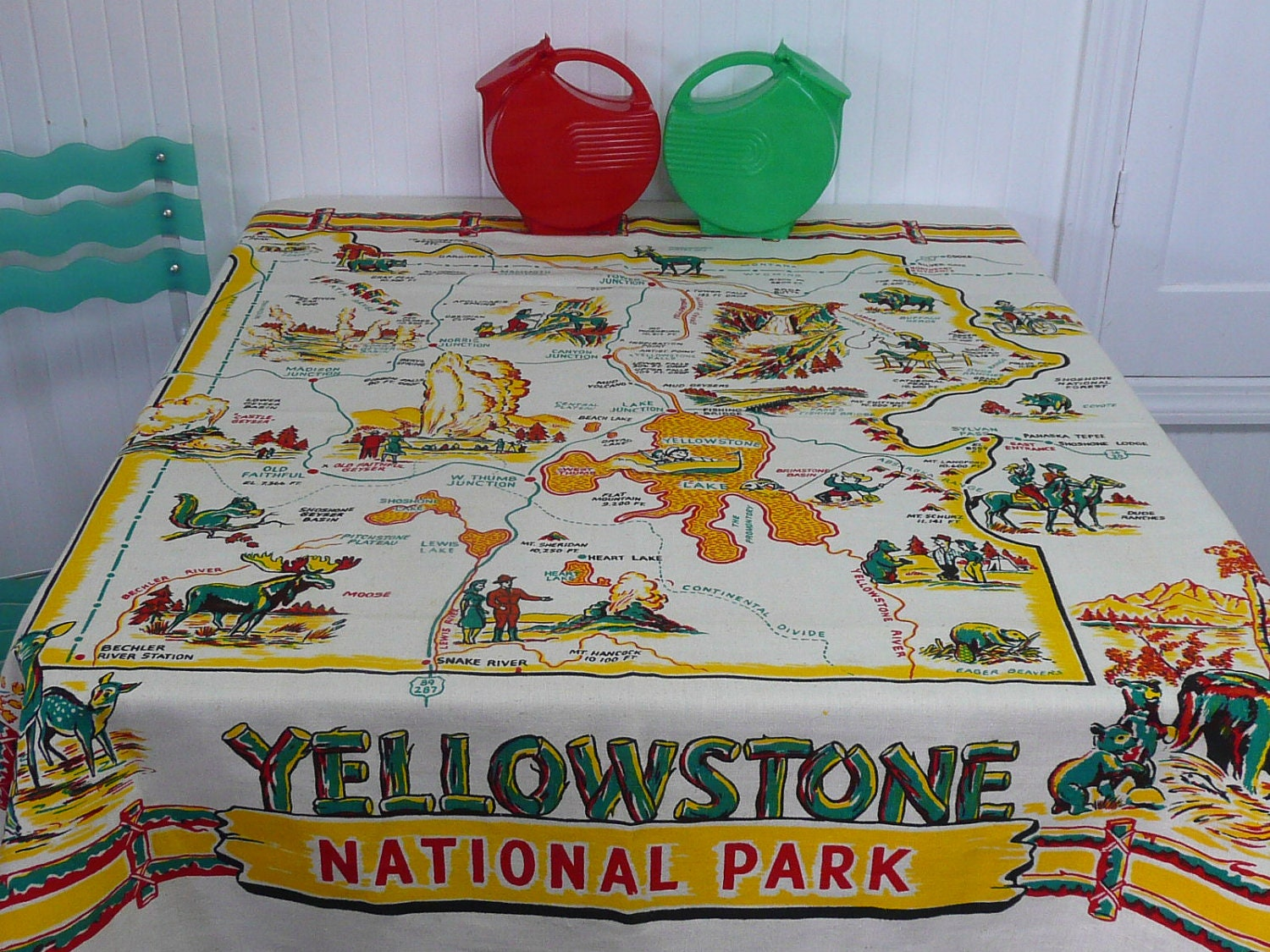 Nice Yellowstone Tablecloth Vintage National Park Souvenir