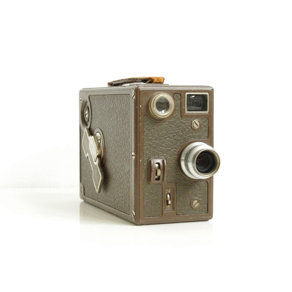 Bell and Howell Filmo-121 16mm Movie Camera - 1930's - Cinema - Home Decor - Filmmaking
