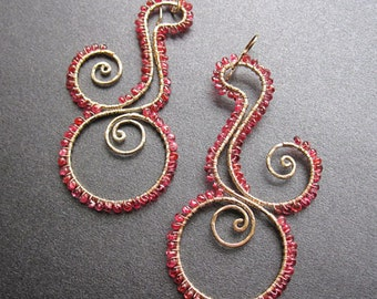 Hammered swirl hoops wrapped with pink spinel Luxe Bijoux 109