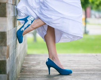 SALE.Wedding Shoes. Teal Blue Wedding Heels, Teal Bridal Shoes, Low Heel, Teal Heels, Blue Heels, Bridal Heels, Teal Pumps with Ivory Lace