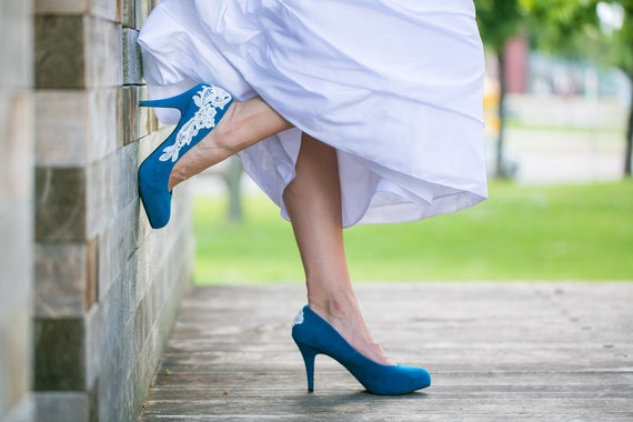SALE. Wedding Shoes. Teal Blue Wedding Heels/Teal Bridal Shoes with Ivory Lace. US Size 6