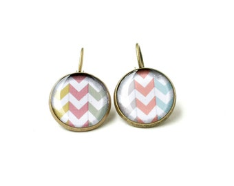 Chevron Earrings 3/4 inch (16mm), magnifying glass cabochon, Geometric Earrings