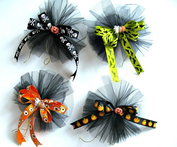 Four Halloween bows for gifts, hair accessories or decoration (SB46)