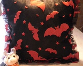 New  - Halloween - Samhain vampire - red bats pillow
