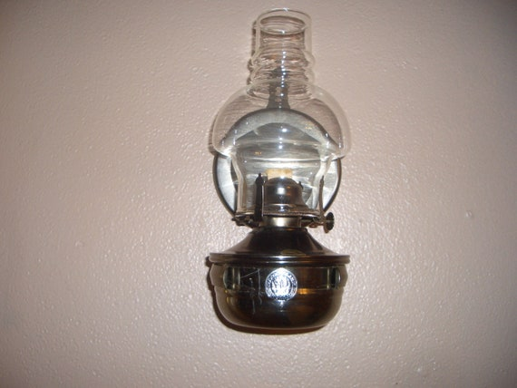 Antique Wall Hanging Oil Lamps : Vintage Lamplight Farms oil lamp with wall hanging bracket and