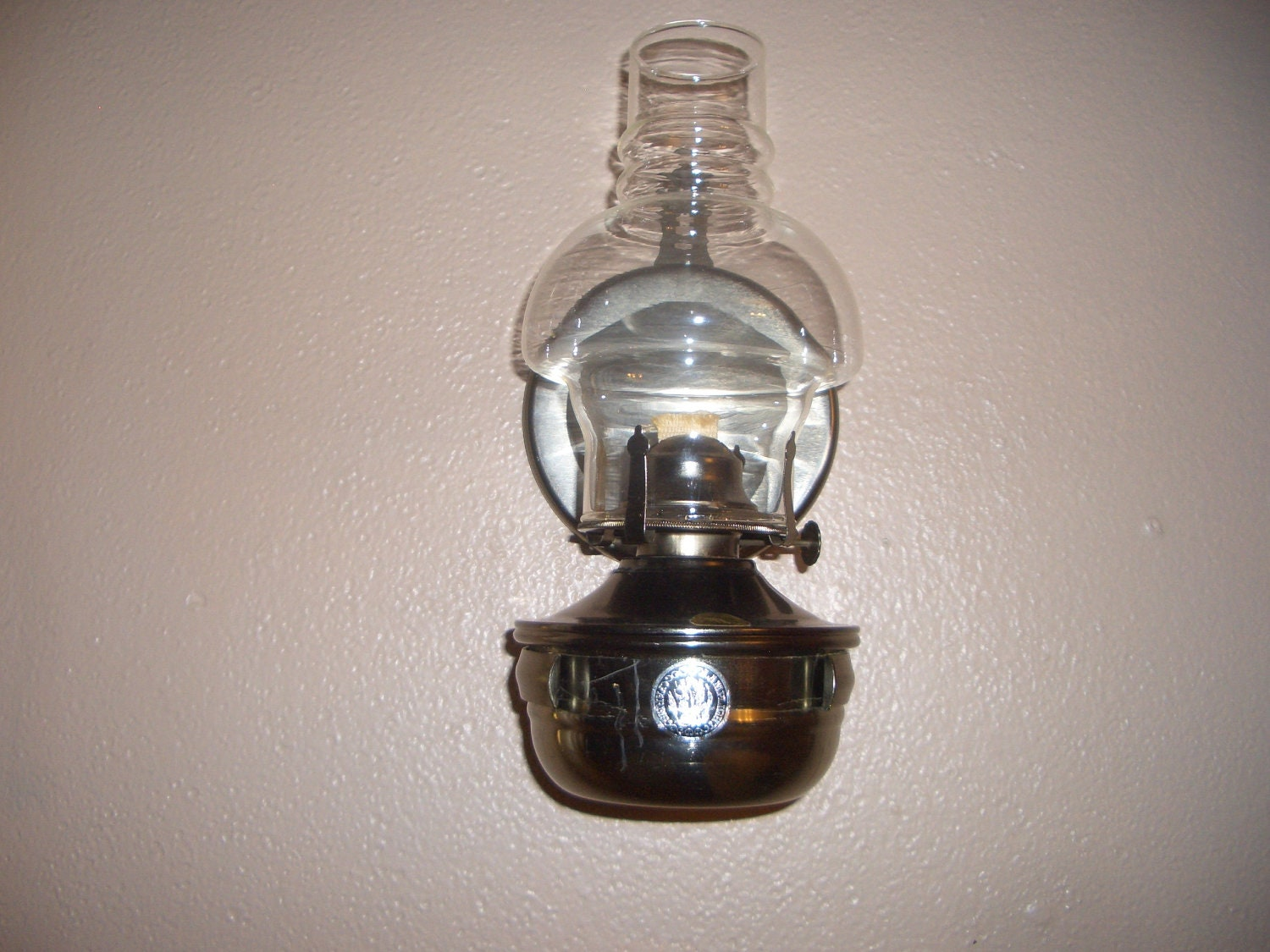 Vintage Lamplight Farms Oil Lamp With Wall Hanging Bracket And