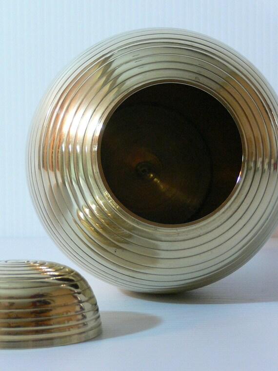 Vintage Brass Urn - MG-089