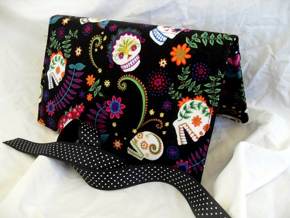 Pattern Wallet Knitting Pattern Keeper Holder by theneedlepalace