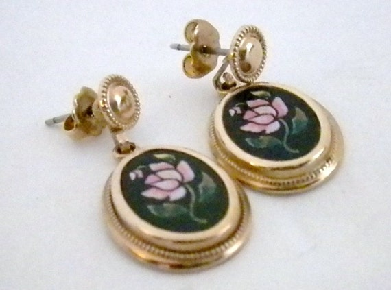 Vintage, Avon Dangle Earrings, Gold and Black with a pretty, Pink Rose