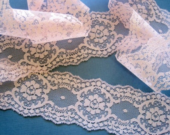 "Royal Scalloped Lace Trim, Pink, 2 1/2"" inch wide, 1 Yard, For Victorian & Romantic Projects"