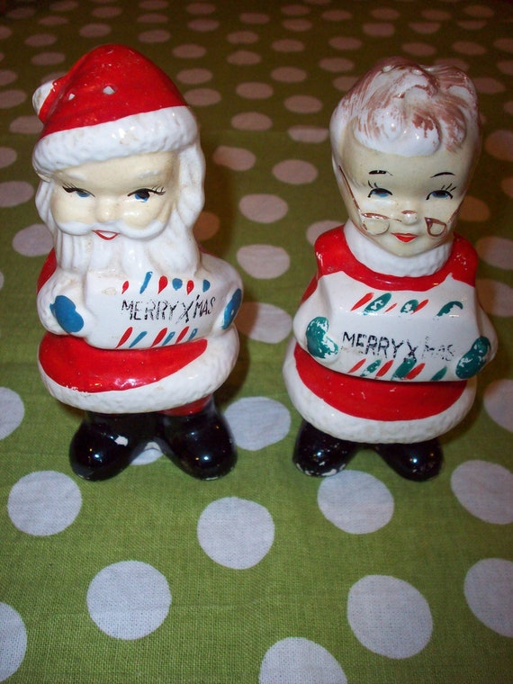 MIJ Santa & Mrs. Claus 1950s Salt  Pepper Shakers Christmas Kitsch Retro Vintage