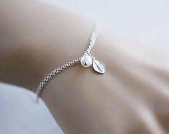 leaf initial Bracelet,pearl bracelet,custom monogram,Wire wrapped Pearl,Bridesmaids Gifts,Wedding jewelry Gift,birthday,Friendship bracelet