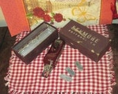 Kenmore ButtonHoler In Original Velvet Box
