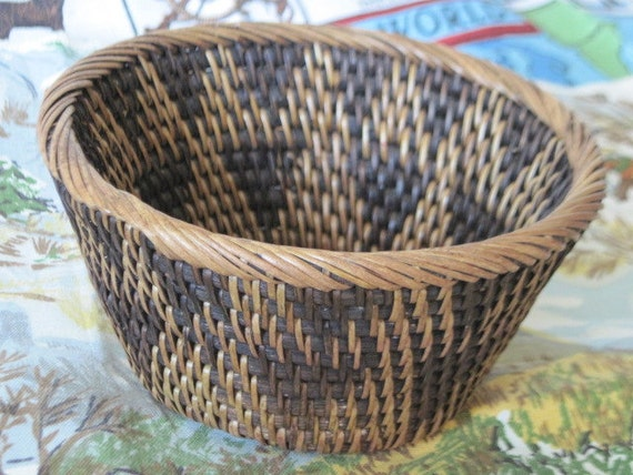 Basket Made in Indonesia Looks to Been Handmade, Vintage Basket, Small Basket, Home Decor,Storage, Organization,