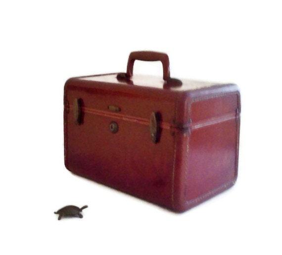 Vintage Samsonite Train Case Brown/with key/ Brass Latch 1940s Luggage College Dorm Storage Back to School.