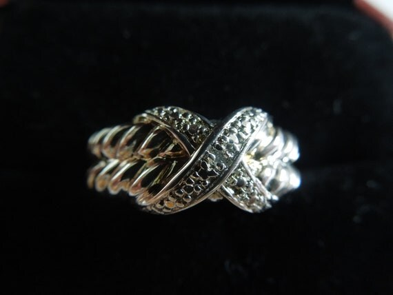 Vintage Silver Ring, Size 7, Stamped 925 for Sterling, Crossed Ribbon Design, Excellent Condition