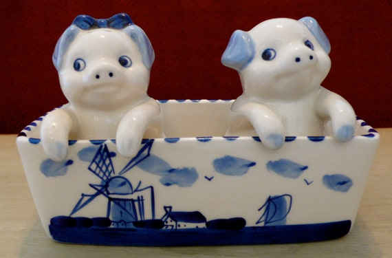 Vintage Delft Blue Hand Painted Pig Salt And Pepper Shakers