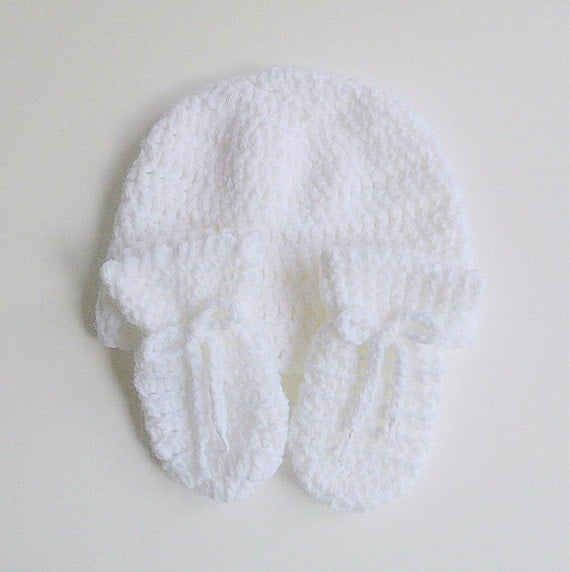 6 Months Old White Baby Mittens And Hat Set Infant  Boy Fall Cap  3 To 9 Months  Girl Beanie Crochet  Children Winter Clothing