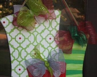 Wood Christmas Presents Door Hanger