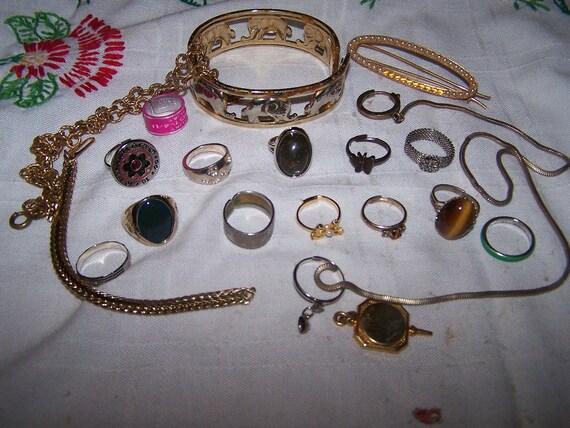 SALE vintage jewelry LOT may be broken craft destash RINGS chains bracelet