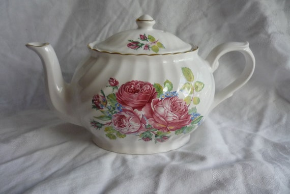 Beautiful Arthur Wood Cabbage Rose Teapot, Treasury Item
