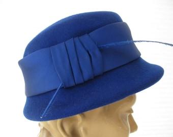 vintage. HAT. felt. ROYAL. blue. 1940s. medium.