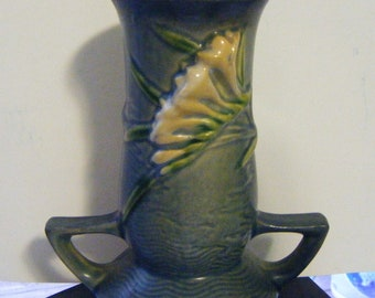 1940's Roseville Pottery Freesia Double Handled Vase 119-7 in Excellent Condition