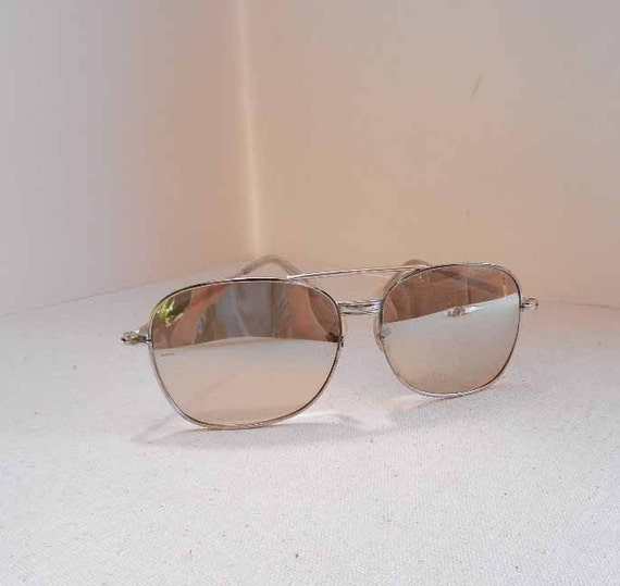 Men's Mirrored Sunglasses 1970s