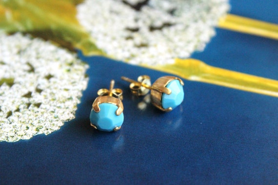 Swarovksi Crystal Stud Earrings in Turquoise-- Choose Gold or SIlver Finish