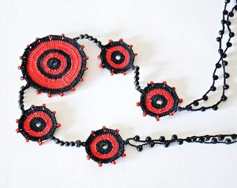 Boho Crochet Necklace, Red Black Necklace, Oya Beaded Necklace, Geometric Necklace, Circle Necklace,  Beaded Jewelry, Beadwork, ReddApple