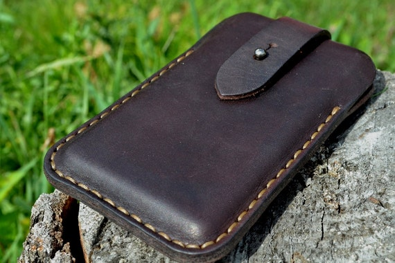 Case for iPhone 7 or iPhone 6 - Handmade Leather iPhone 7 or iPhone 6 - Pouch on the belt - Dark Brown