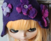 """Hand Felted """"Purple Grape"""" hat, with flowers, for Blythe or similar........."""