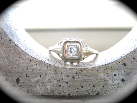 Beautiful Vintage 18K White Gold Filigree Diamond Ring--Engagement Ring or Promise Ring
