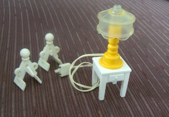 Fisher Price  LAMP and retaining strap HOOKS for Dollhouse