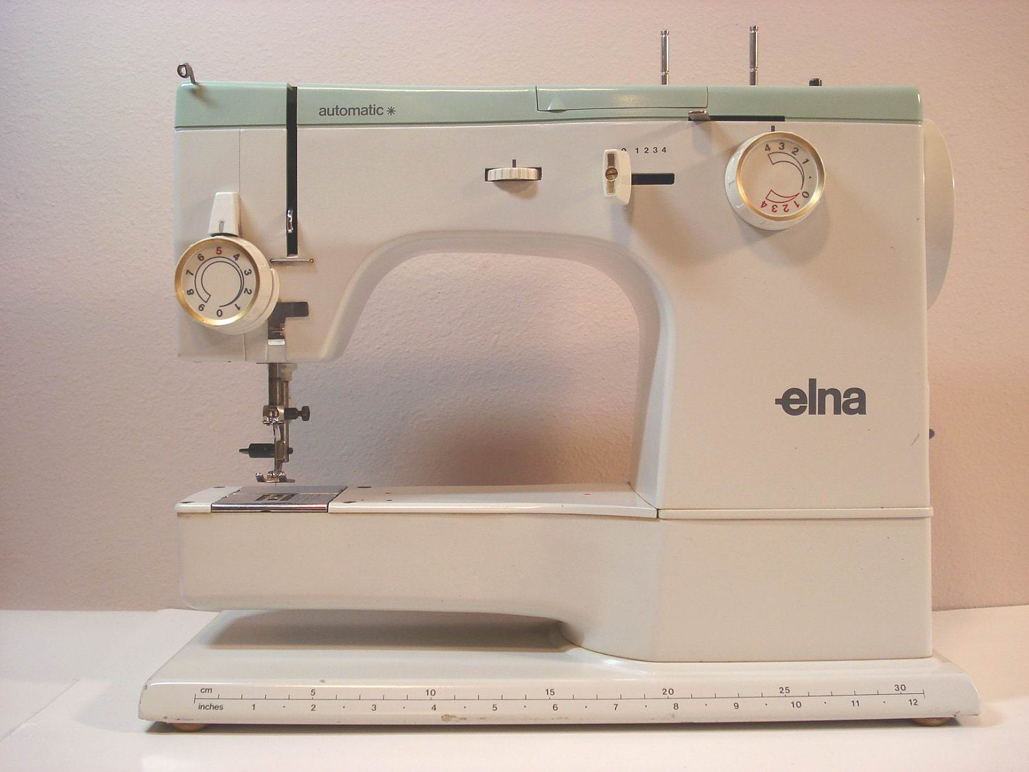 elna automatic portable sewing machine. Black Bedroom Furniture Sets. Home Design Ideas