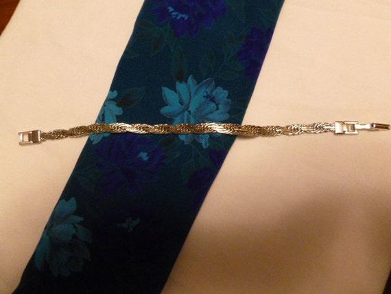 "Vintage Silvertone Trifari  7"" Bracelet"