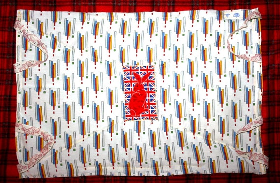 The Bun-velope - soft carrier liner for bunny rabbits quilted cotton fabric with hand made UK flag bunny patch