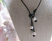 "Black Leather and Freshwater pearl ""Trinity"" necklace"