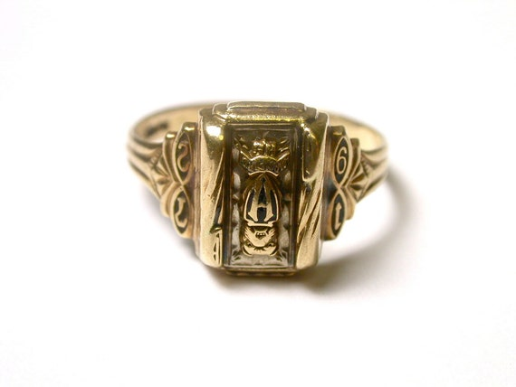 14k yellow gold 1972 high school class ring size by