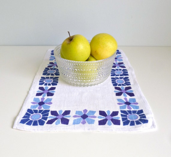 Mid century modern placemat table mat x 3 by mungoandmidge for Table mats design your own