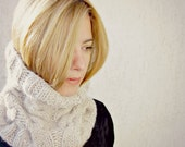 Beige Cable Knit Tube Cowl / Chunky Beige Cowl / Knitted woman neckwarmer / Tube Wrap For her / Under 50 europeanstreettean
