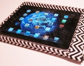 """iPad Case/ Tablet Case iPad Sleeve Cover with Interior Pocket """"SmartSleeve"""" Water-Resistant (Designer Black and White Chevron) SALE"""
