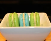 Custom French Macarons - 12 Cookies (2 Flavors)