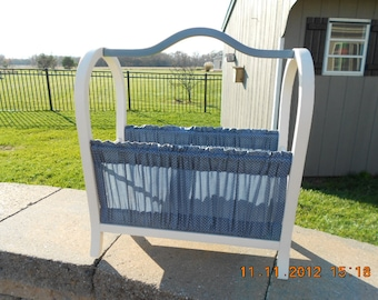 Shipping Included (lower 48)...Vintage Book/Magazine/Knitting Rack...Shipping Included
