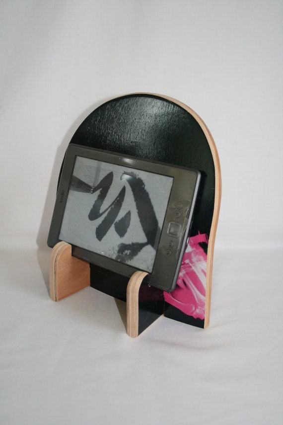 A Stand for iPad, Kindle, Tablet, etc made from a Skateboard Deck