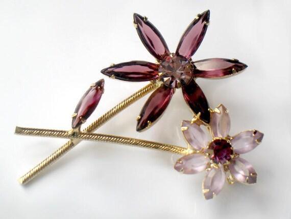 Vintage Juliana Amethyst Purple Rhinestone Flower Brooch Pin Delizza and Elster D&E High Fashion Jewelry February Birthstone Colors