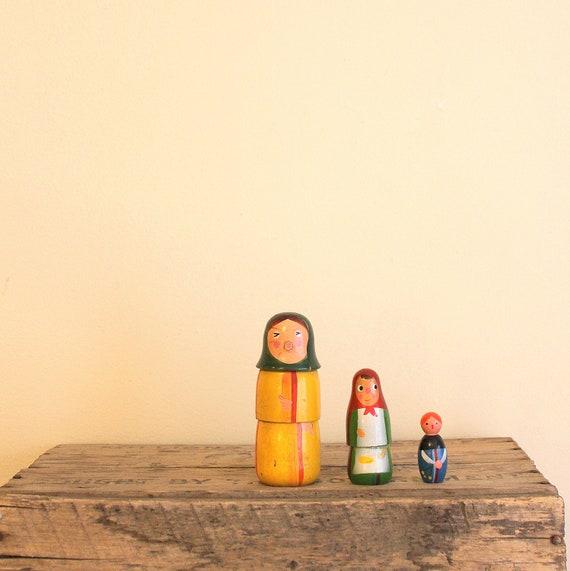 Vintage Wooden Nesting Dolls - Babooshka