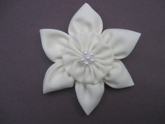 Ivory Flower Hair Clip, Ivory Wedding Hair Bow, Cream Flower Clip