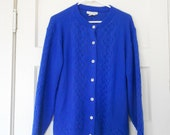royal blue cardigan // vintage clothing // sz M